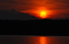 Zachód słońca nad jeziorem Lubie