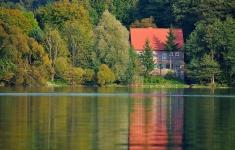Jesień nad jeziorem Lubie