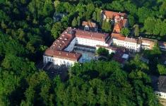 Sanatorium Gryf w połczyńskim Parku Zdrojowym