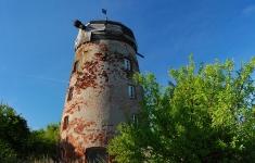 Ruiny wiatraka holenderskiego w Zagozdzie