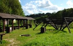 Polana piknikowa w rezerwacie Dolina Pięciu Jezior